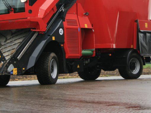 Mixer feeder tyres